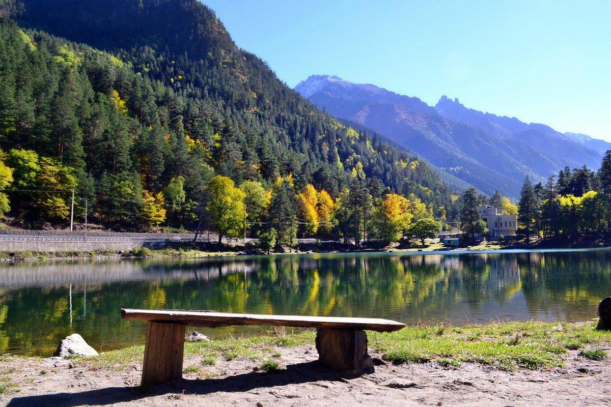 Скамейка у озера - Клара