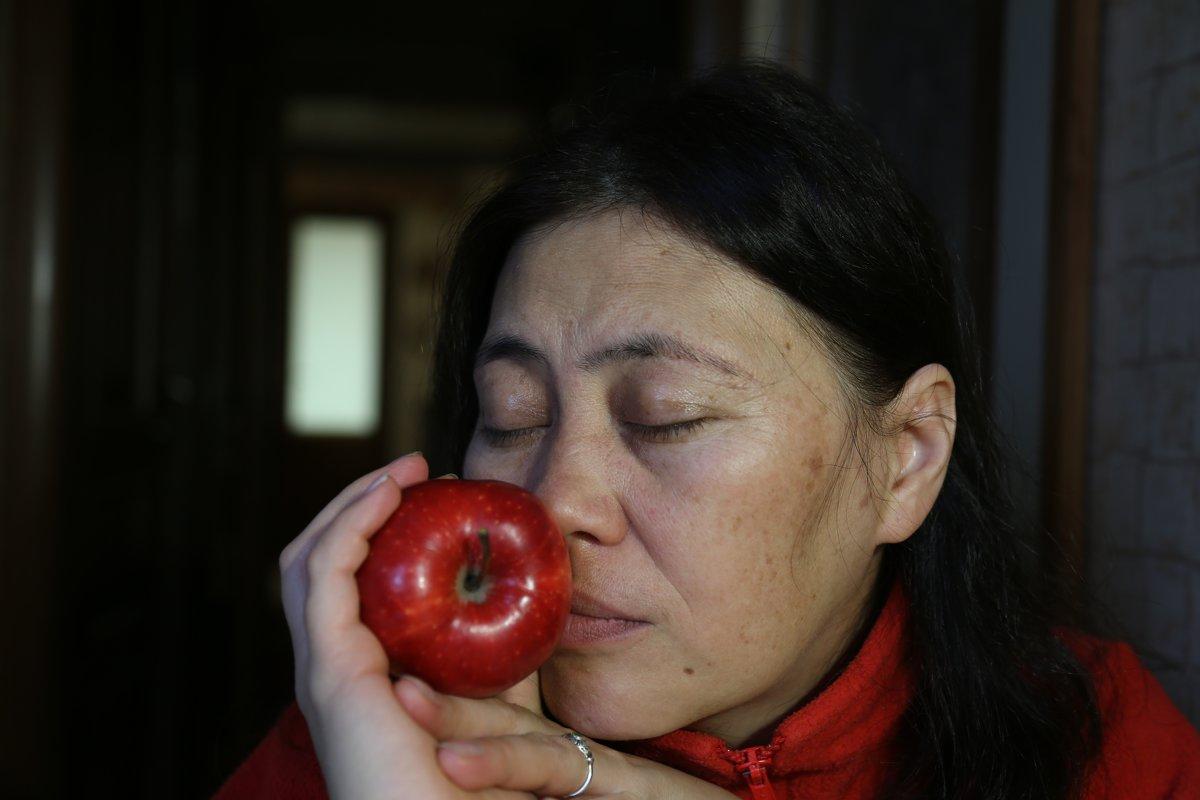 яблочная дева 2 - Михаил Зобов
