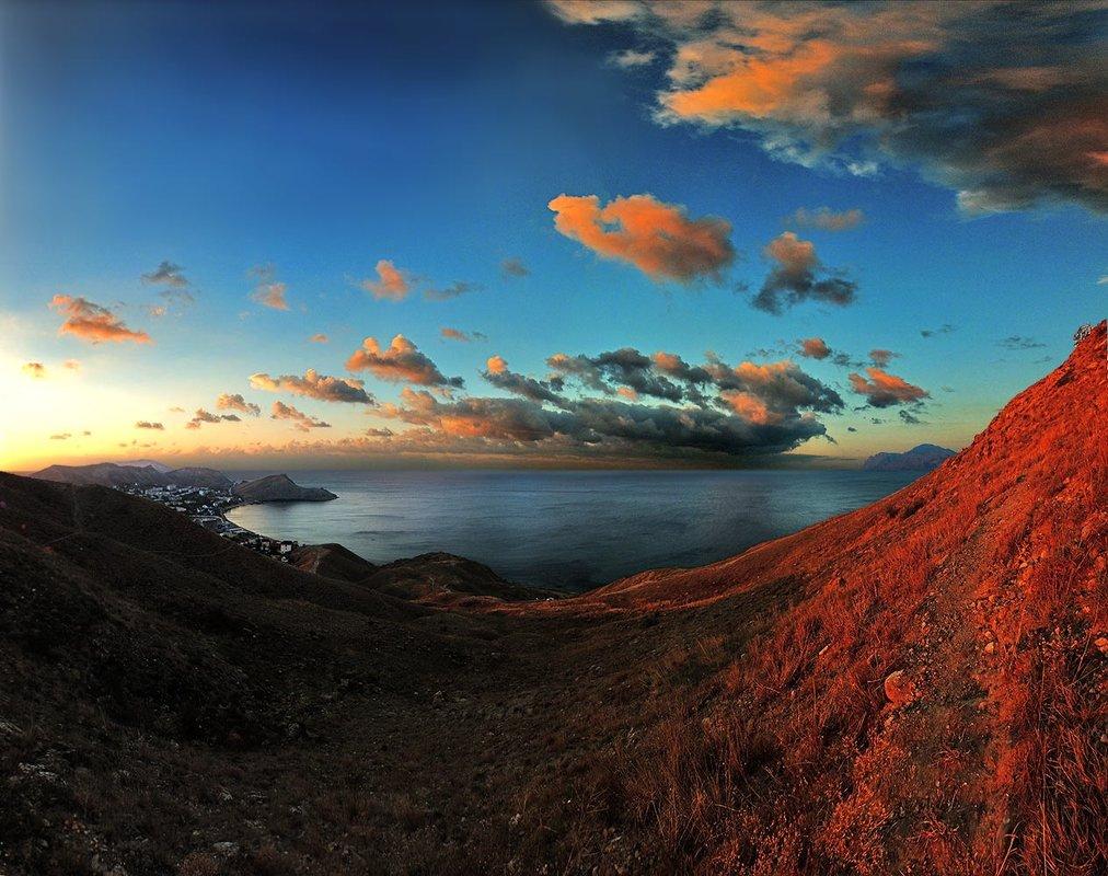 Восход расплавил небо и холмы - viton