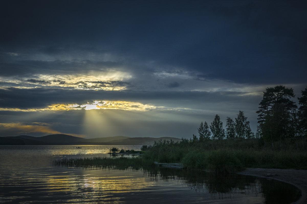 Сентябрьский день у озера... - Pavel Kravchenko