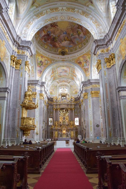 Церковь для паломников в стиле барокко - Сергей Хомич