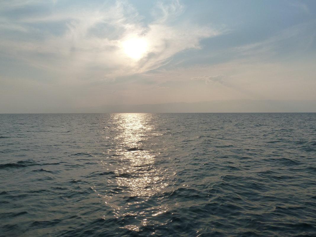 Байкал и солнце - Галина