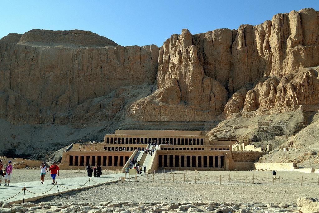 Храм Хачепсут, жены одного из Рамзесов. - Клара