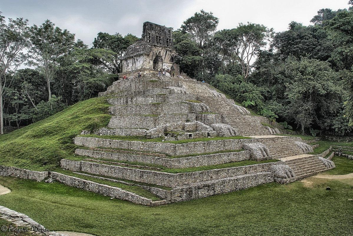 Мексика. Пирамиды Паленке (эта - с одним из знаменитых барельефов инопланетянина) - Андрей Левин