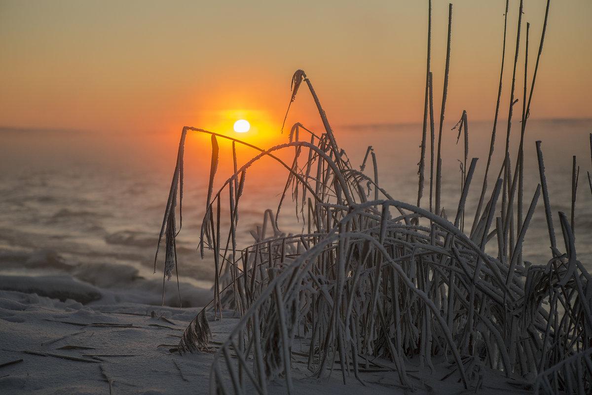 Январский закат на Нововоронежском водохранилище. - Юрий Клишин