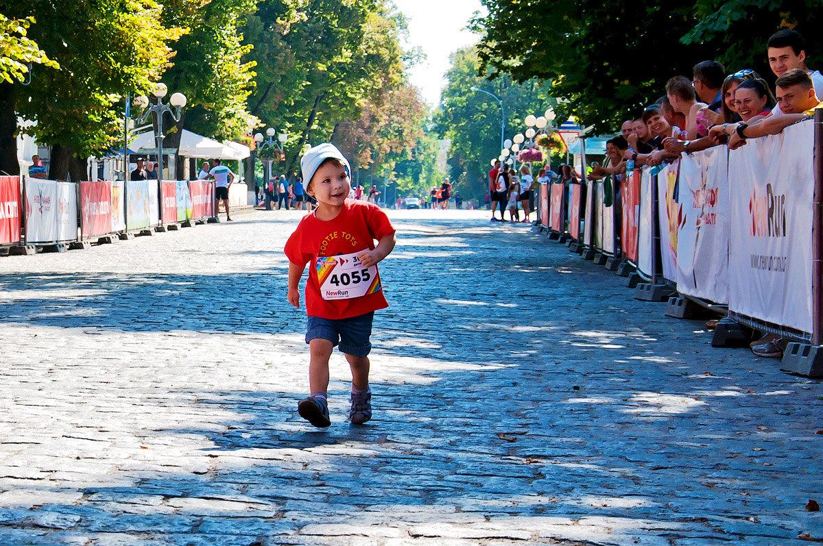 Самый младший марафонец... (Полумарафон. Полтава, сентябрь 2016) - Наталья Костенко