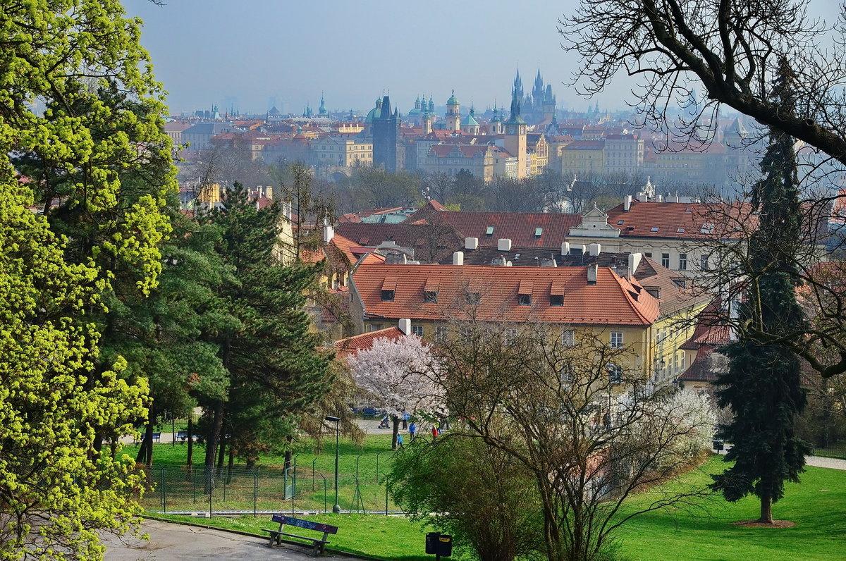 Прага, вид с Петршина - Владимир Брагилевский