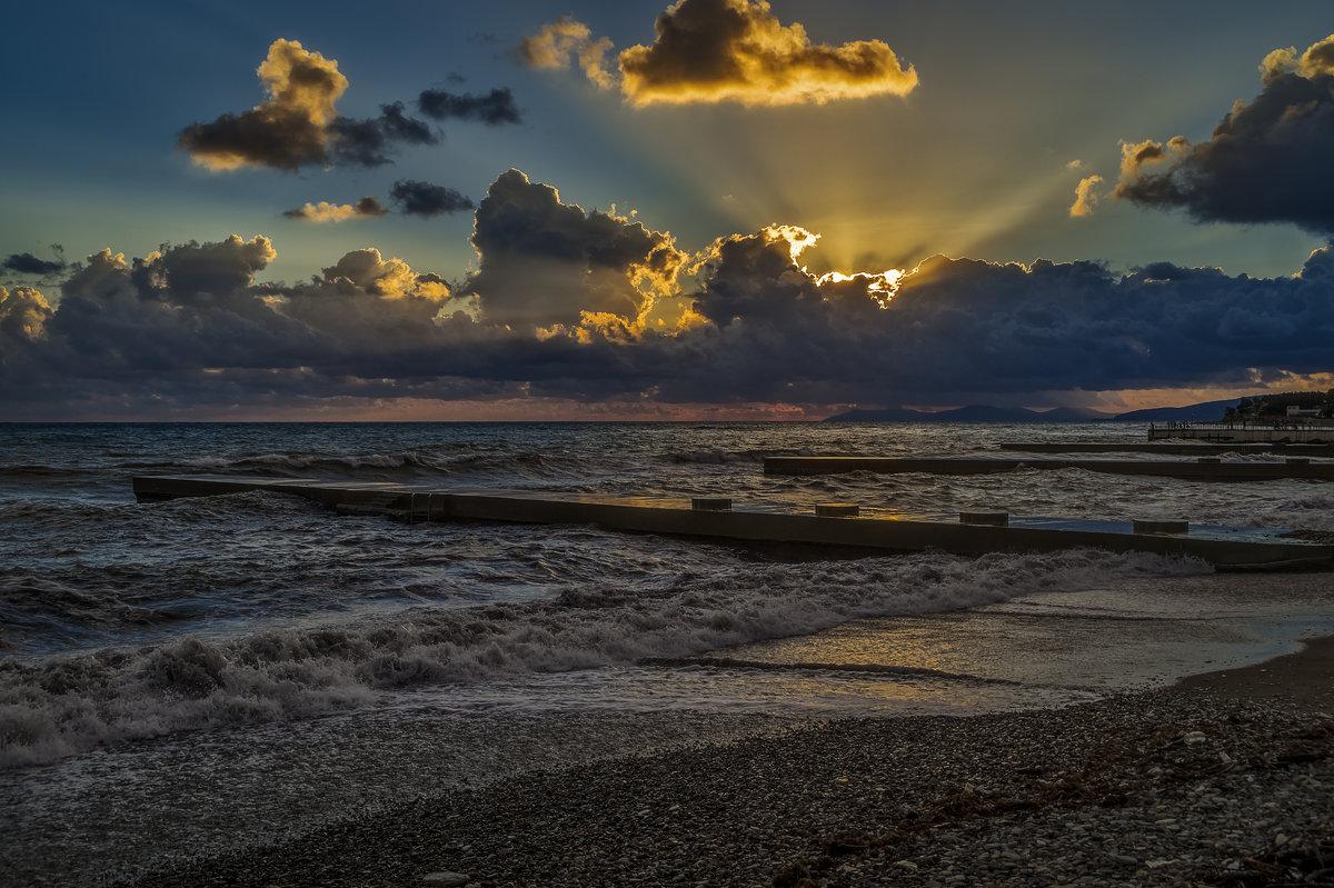 Солнце, море, облака - Андрей Дворников
