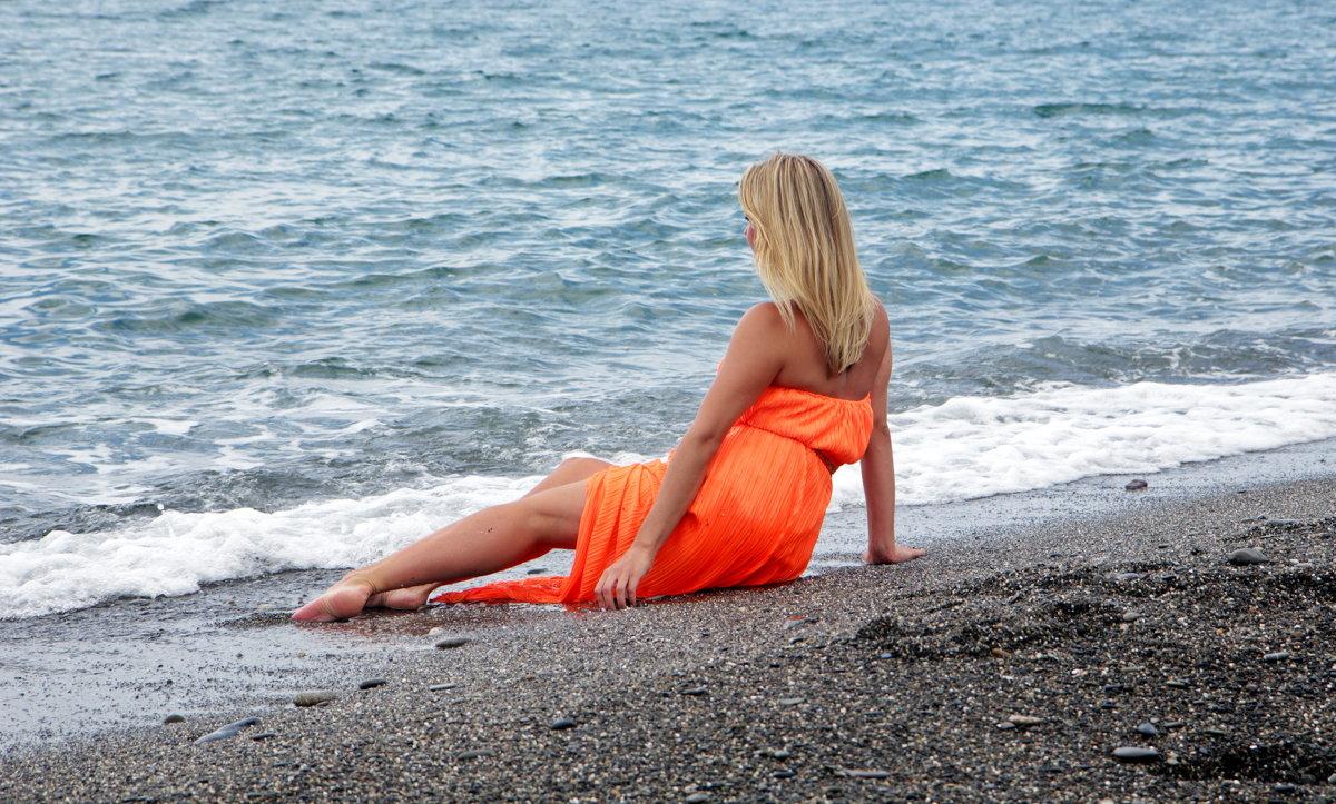Девушка и море... - Виолетта