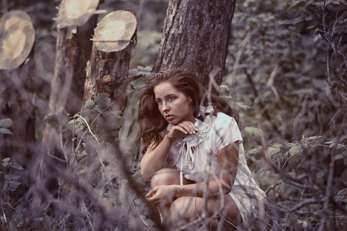 Изгнание - Елена Лагода