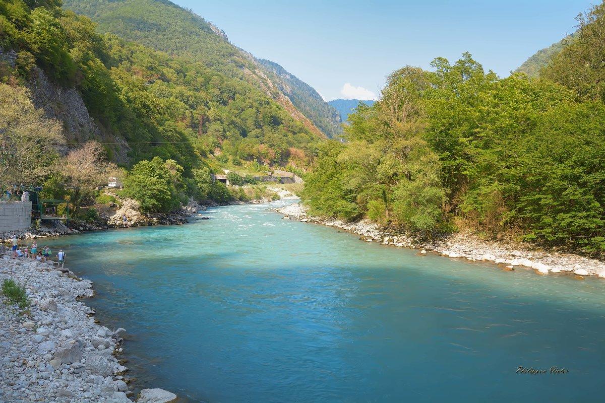 Река Бзыбь (Абхазия) - Виктор (Victor)