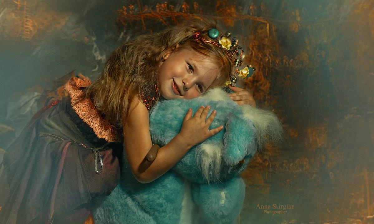 девочка на голубой лошади - Анна Скиргика