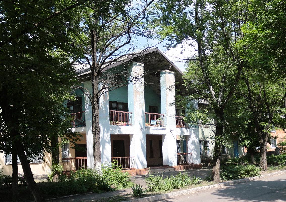 Дом с колоннами. - Сергей Касимов