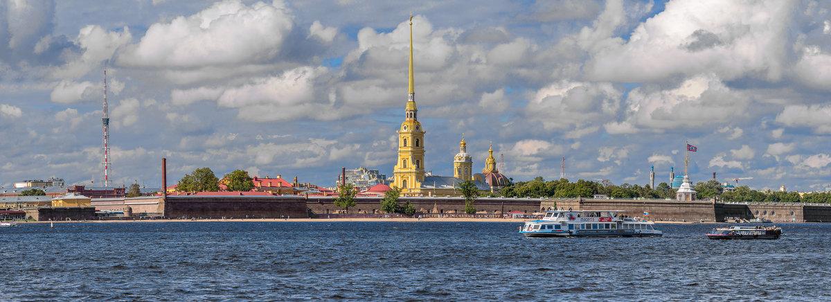 Вид на Петропавловскую крепость. Санкт-Петербург - Борис Гольдберг