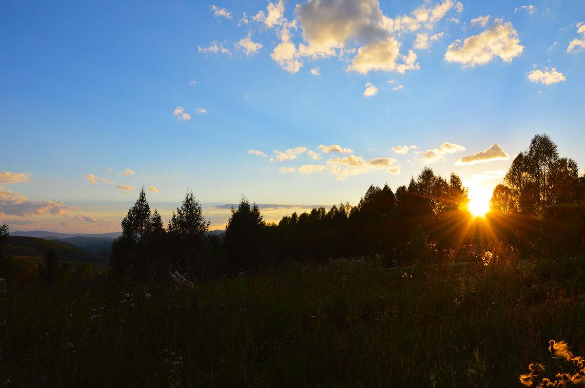 Закат на перевале. - Валерий Медведев