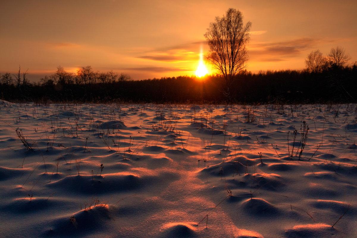 Солнце по снегу - Владимир Миронов