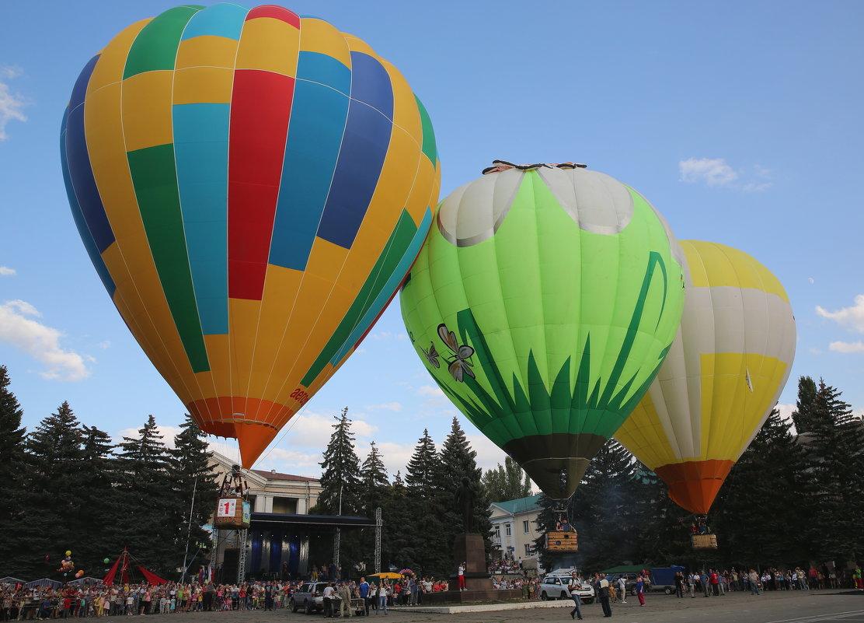 Одновременный старт трёх воздушных шаров. - Vladimir 070549