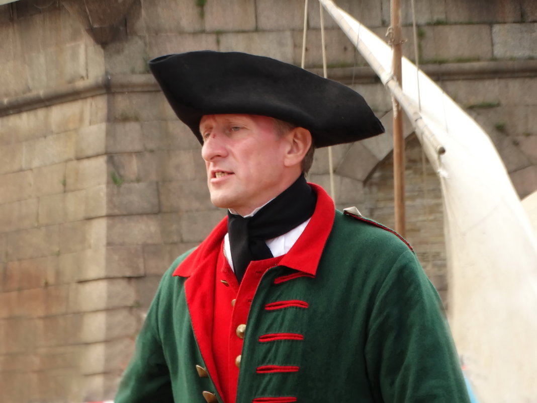 Командир корабельного артиллерийского расчёта - Владимир Гилясев