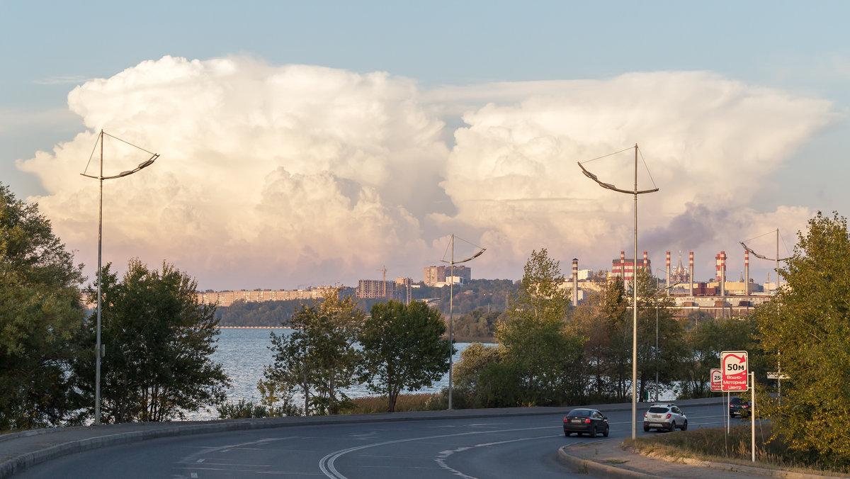 Градирня и облако - Леонид Никитин