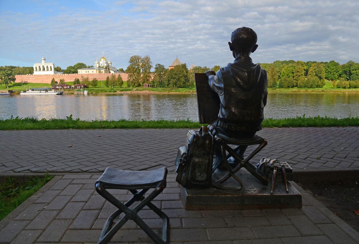На набережной Великого Новгорода - Наталья Левина