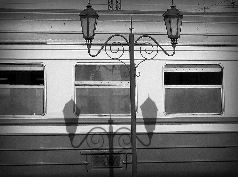 Поезд и фонари - Татьяна Литвинова