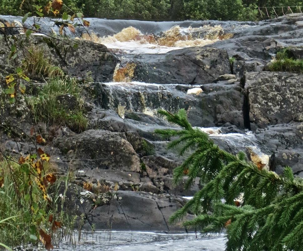 рускеальский водопад - Елена