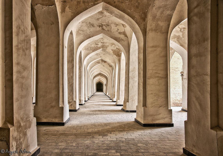 Узбекистан. Бухара. В мечети Калян - Андрей Левин