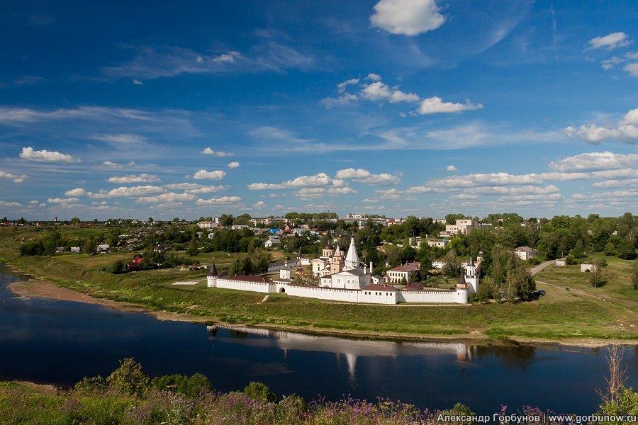 Монастырь на Волге - Александр Горбунов