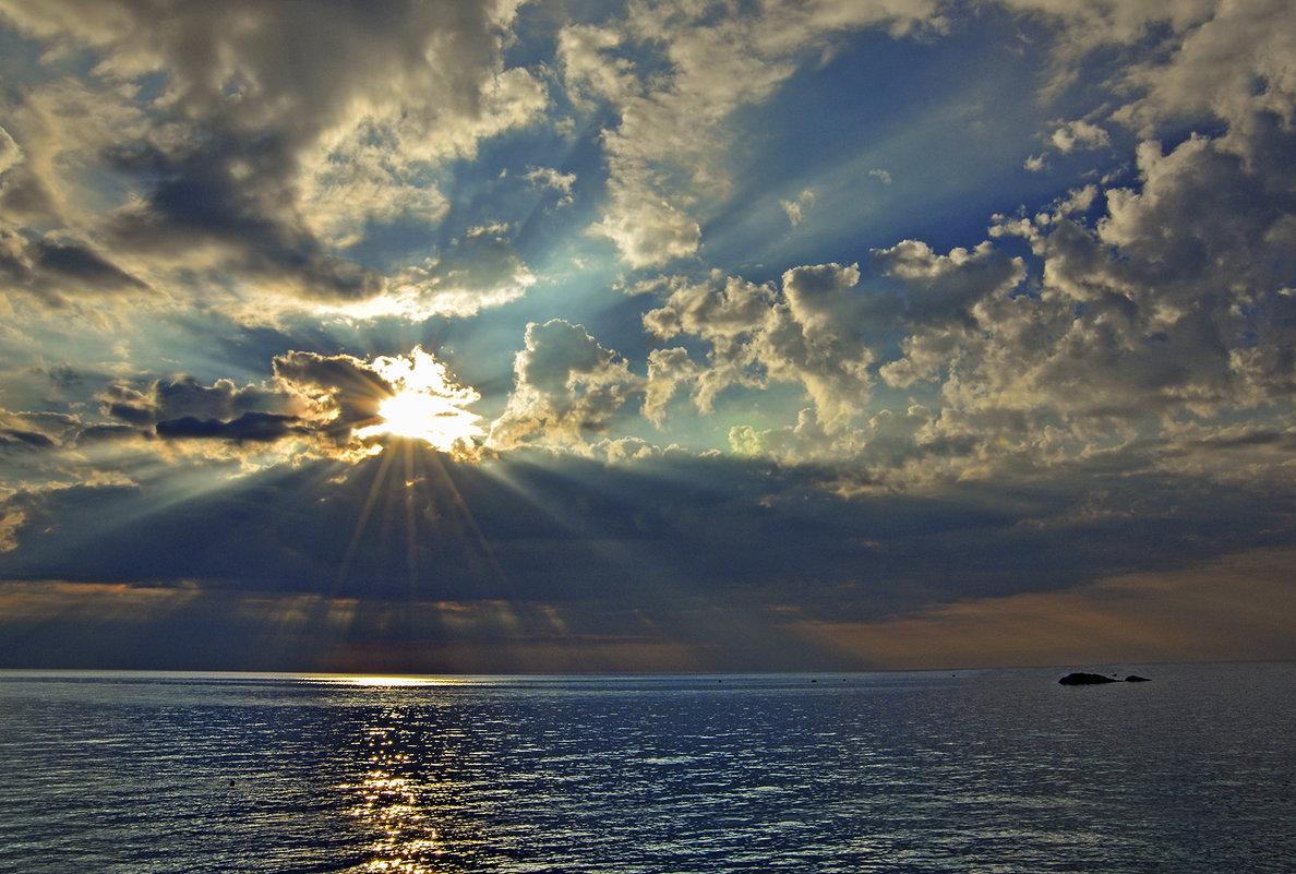 ... жизнь на забытом всеми острове... - BoykoOD