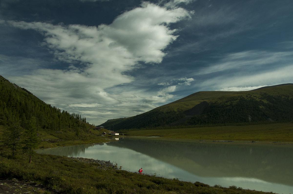 а это - озеро Ак-кем, которое ближе к осени почти исчезает до весны - Ларико Ильющенко