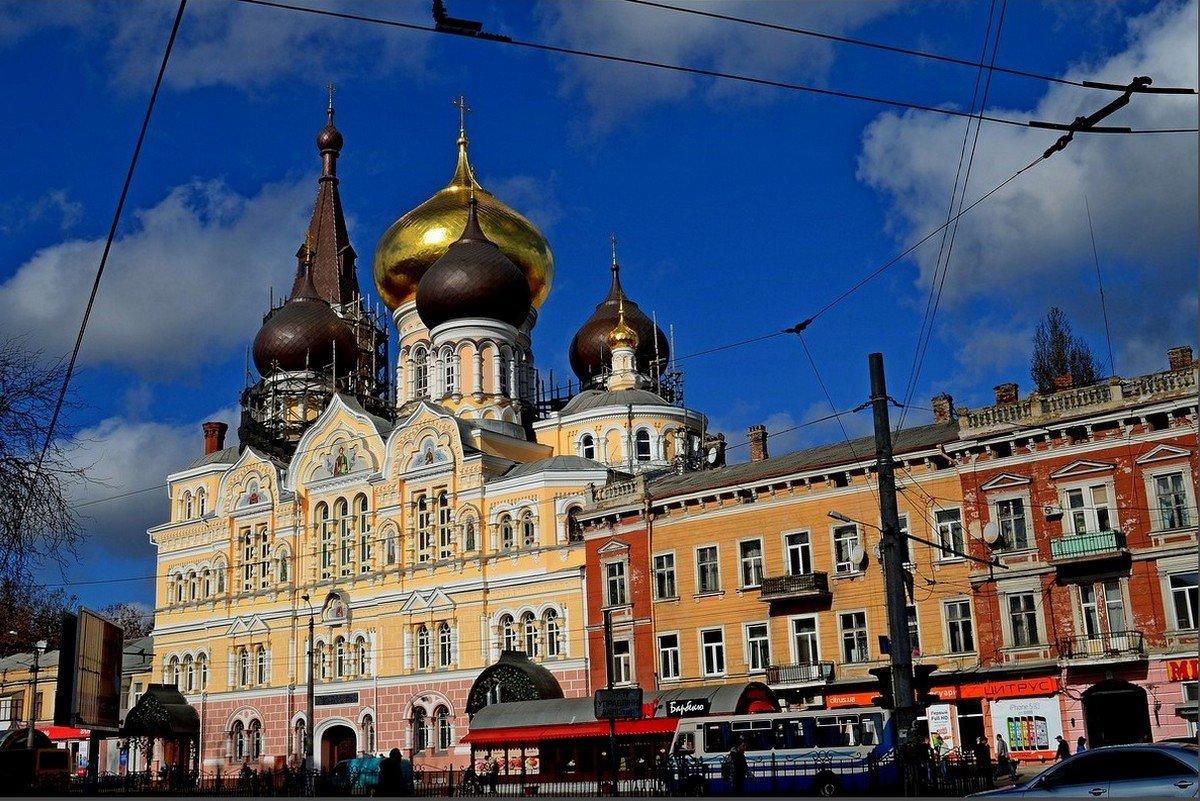 В ПЕРЕПЛЕТЕНИИ - Анатолий Восточный