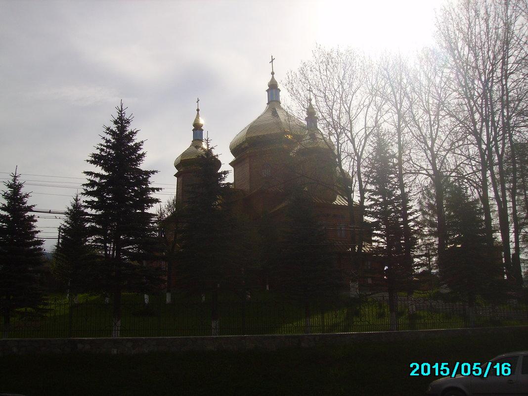 Деревянный   храм  в  Ворохте - Андрей  Васильевич Коляскин