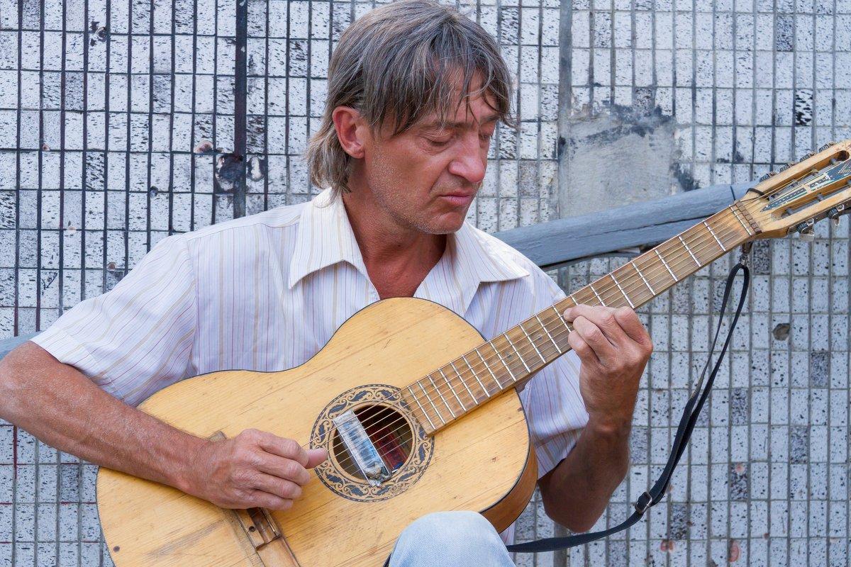 Гитарист - Дмитрий Сиялов