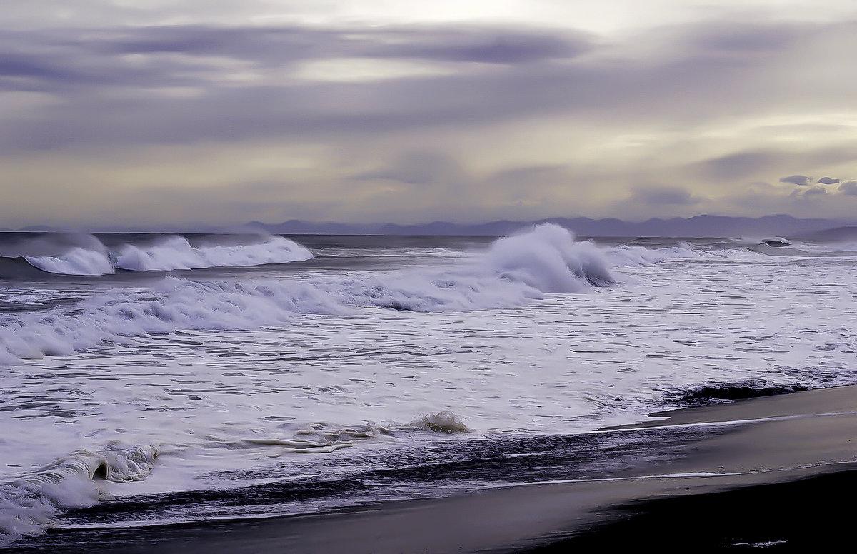 Тихий океан - Евгений Кучеренко