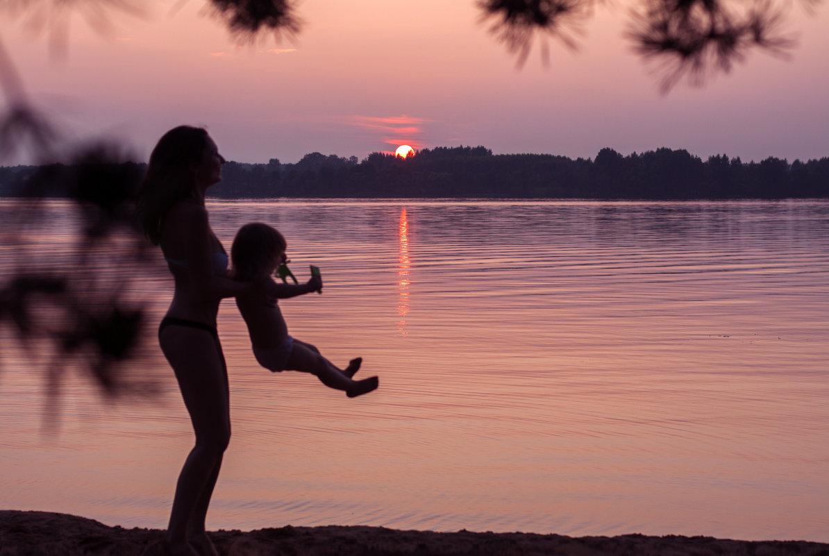 Мамочка и доченька - Ира Никина