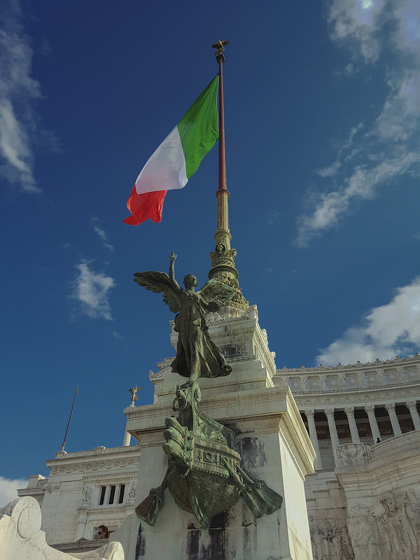 Знамя Италии - сергей адольфович