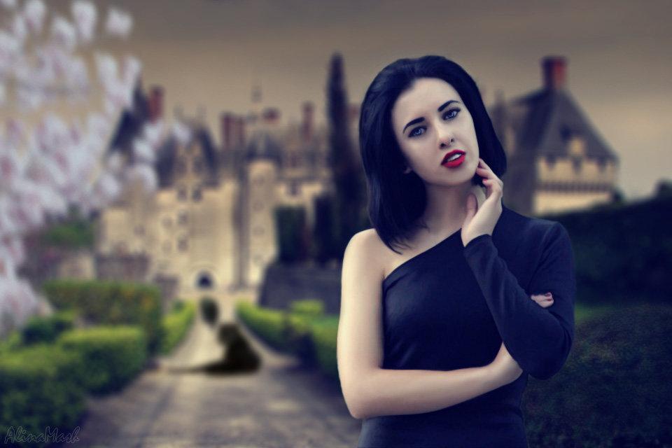 Девушка возле замка - Alina_ Mash