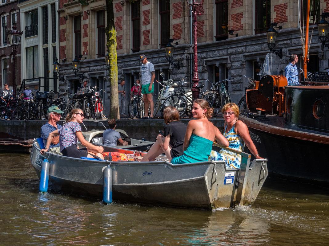 Отдых на воде. Каналы Амстердама - Witalij Loewin