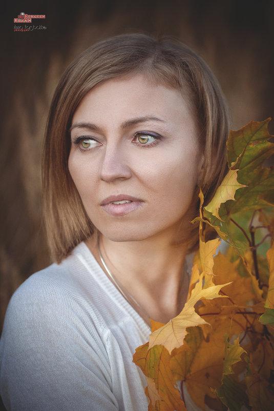 Анна осенний портрет - Roman Sergeev