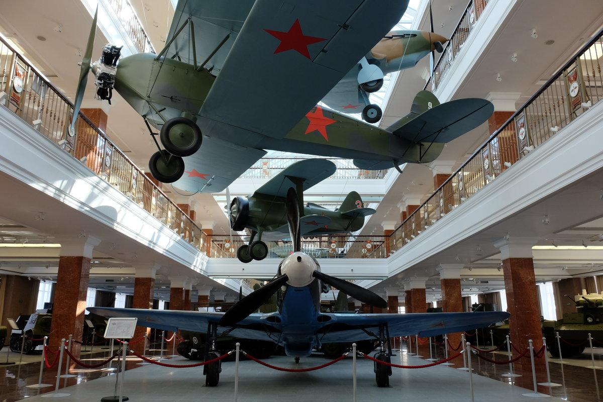 Первым делом - самолеты. ... - Олег Дейнега