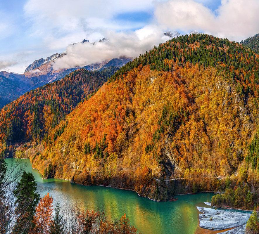 Золотые горы вокруг озера Рица. - Фёдор. Лашков