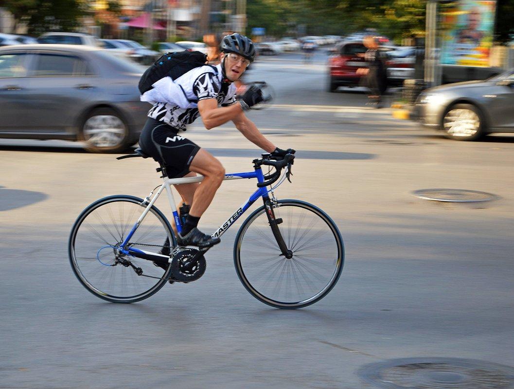 Велосипедист - Игорь Попов