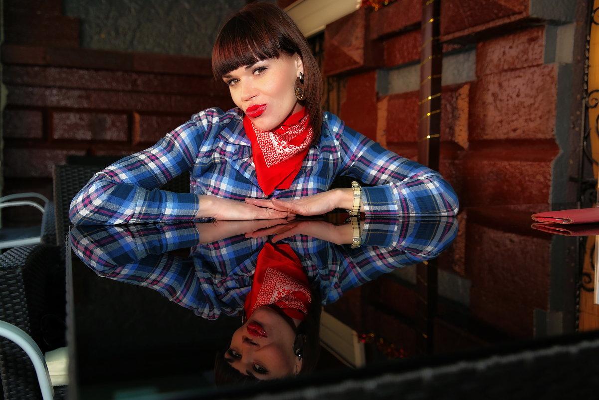 Посиделки в кафе - Svetlana Larina