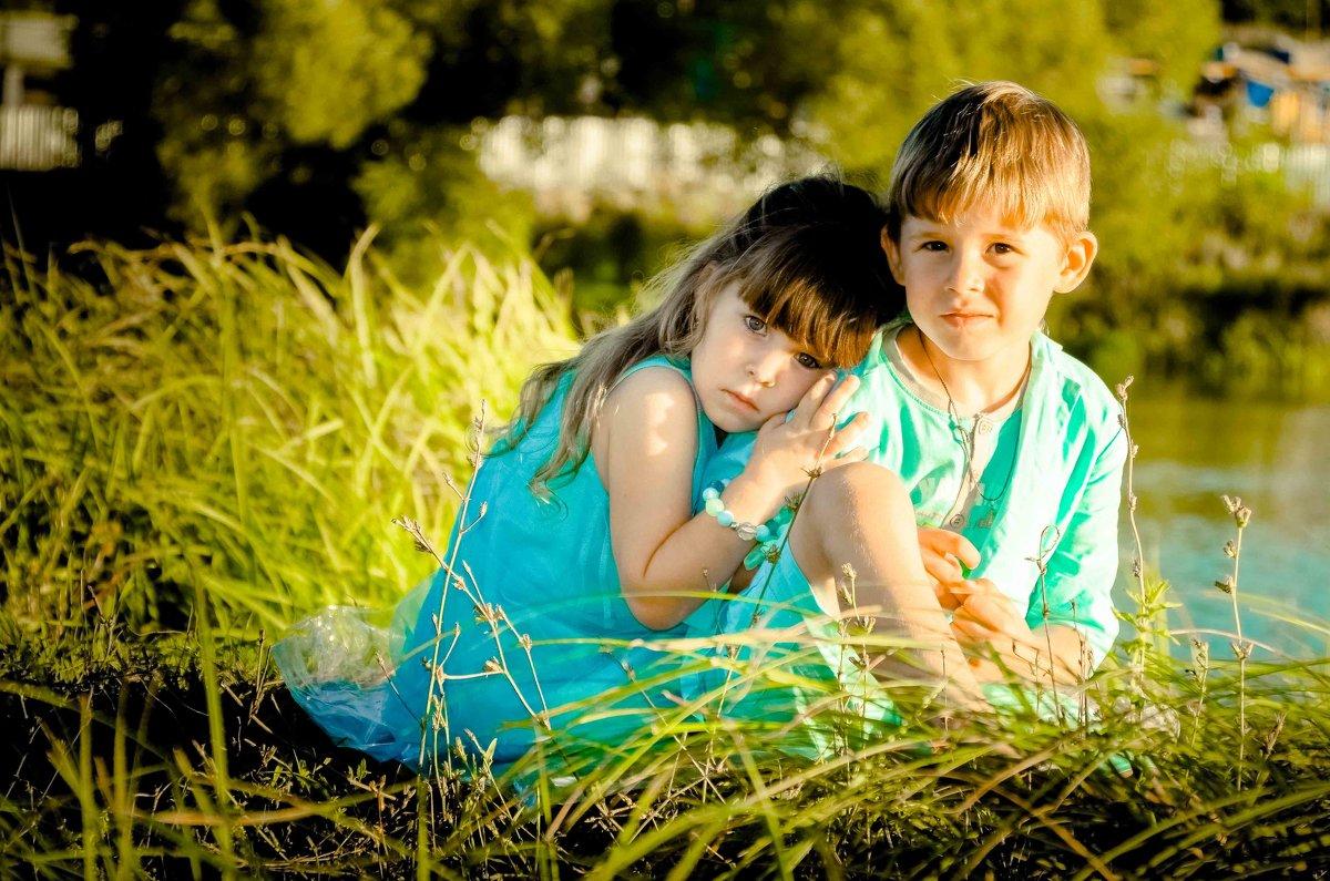 брат и сестричка - Елена