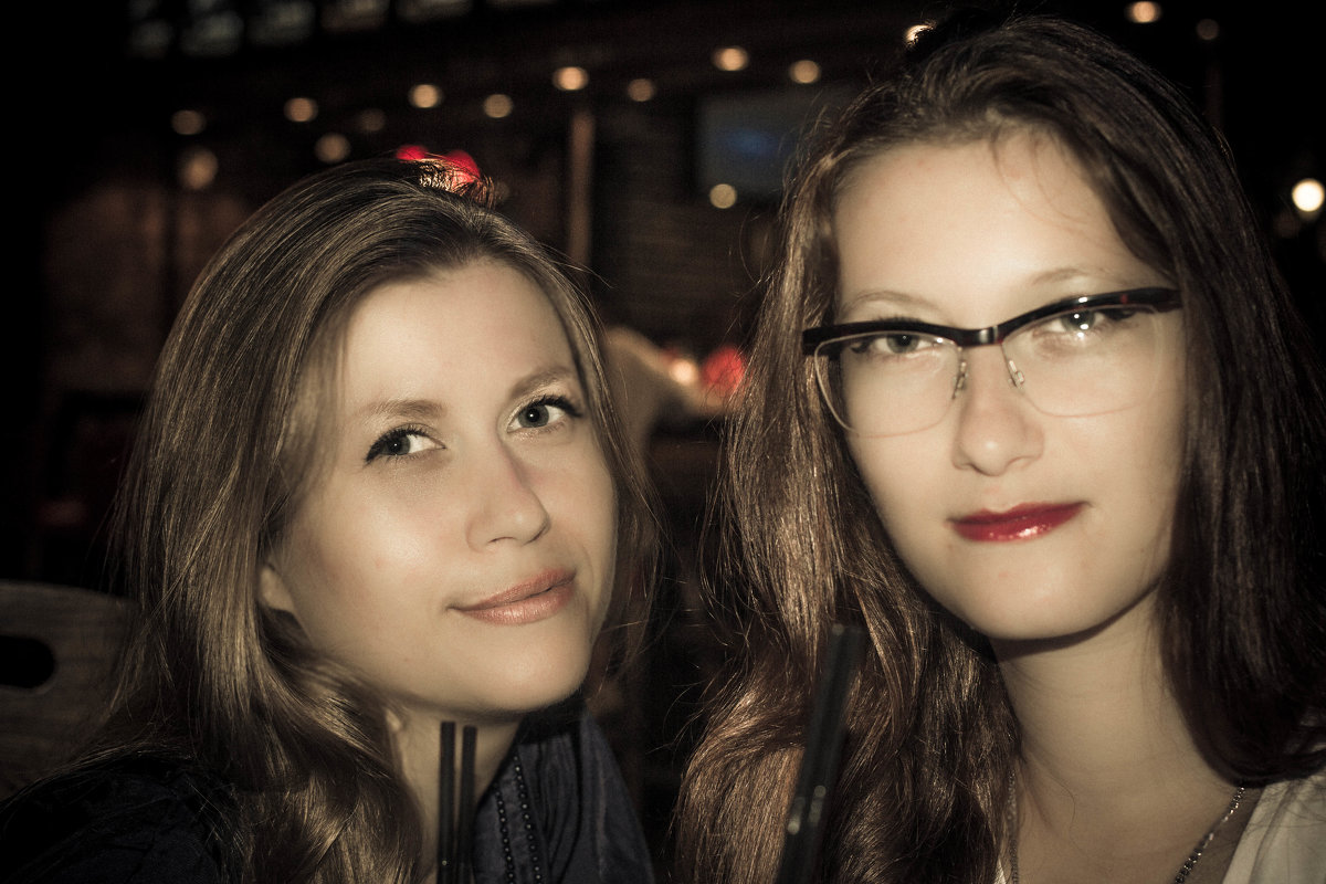 Виктория и Анастасия - Cain Amberskii