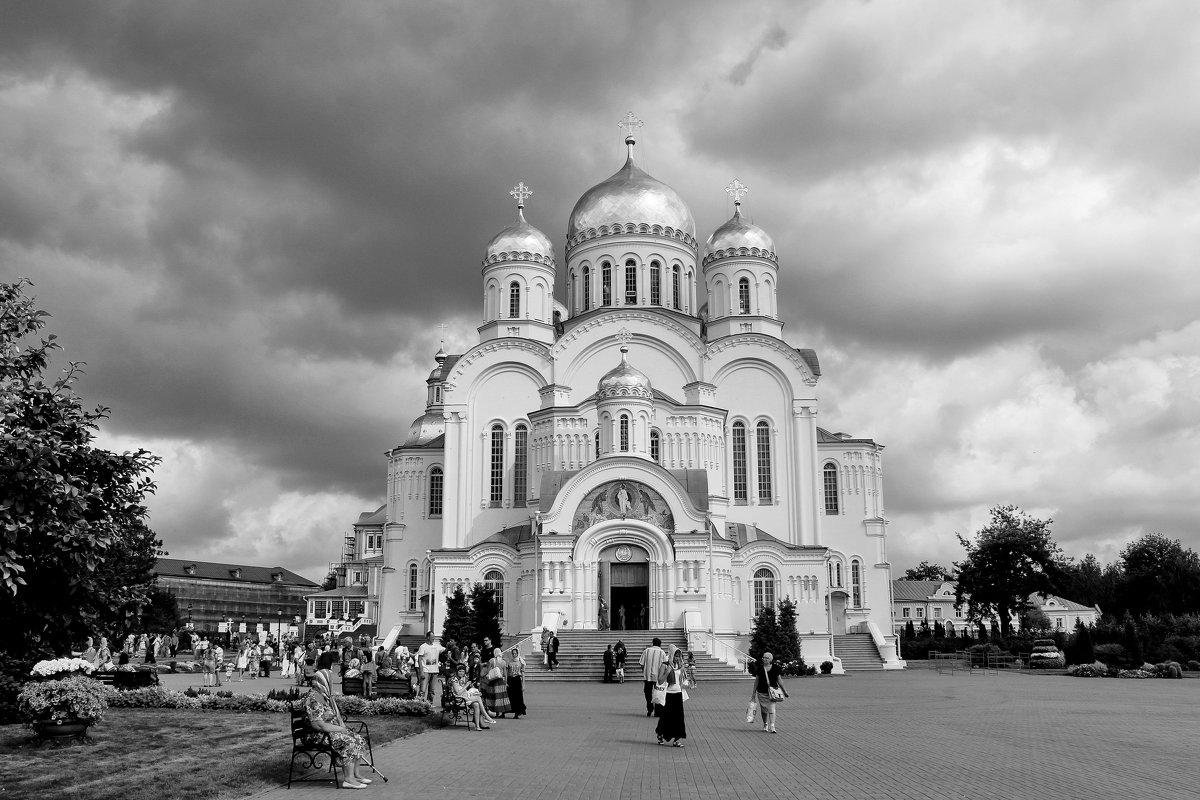 ЗОВУТ К СЕБЕ КОЛОКОЛА - Наталья Маркелова