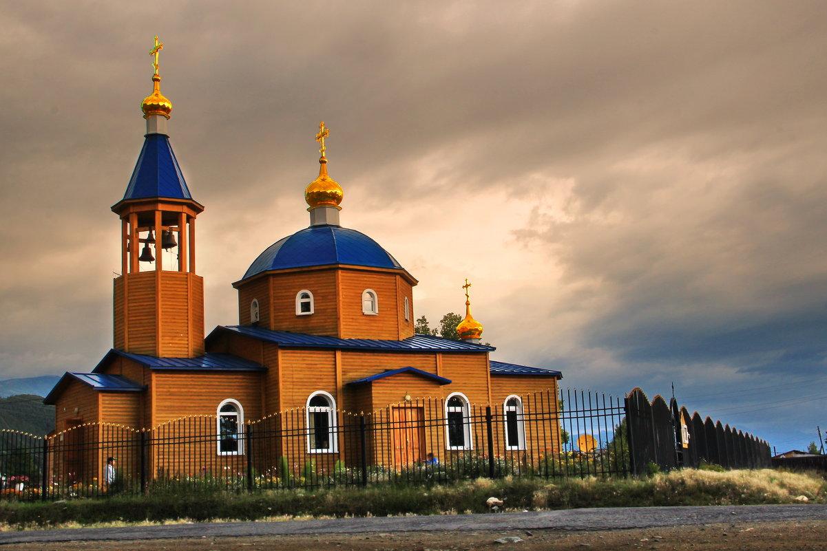 утро над Байкальским храмом - Александр