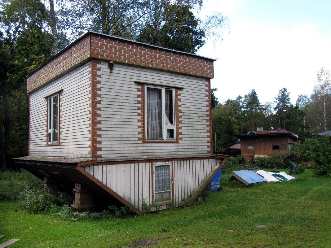 «Перевёрнутый» домик - genar-58 '