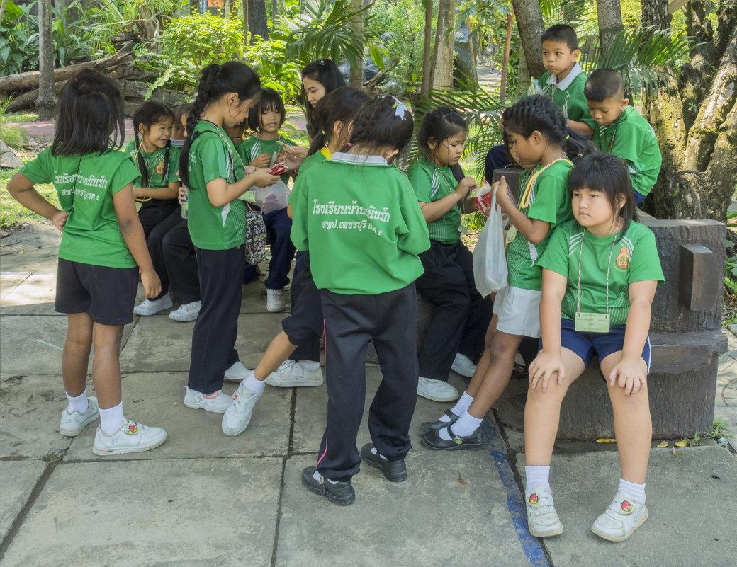 Таиланд. Бангкок. Школьники - Владимир Шибинский