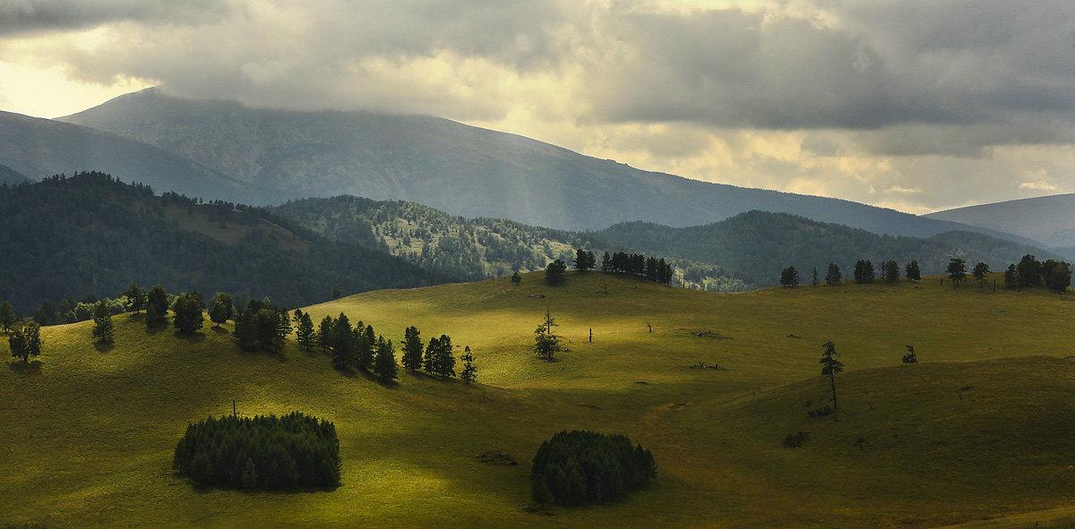 И луч дневной, горит в горах на рёбрах туч 4 - Сергей Жуков